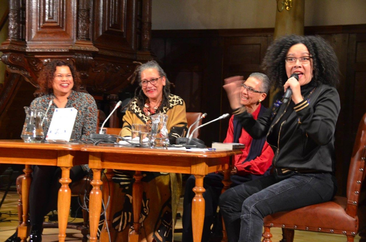 Moderator Nancy Jouwe met Anousha Nzume, Gloria Wekker en Philomena Essed